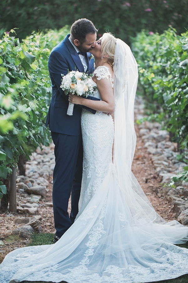 summer-wedding-pyrgos-petreza-lush-floral-romantic-vibe_01