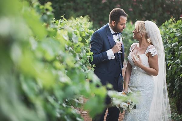 summer-wedding-pyrgos-petreza-lush-floral-romantic-vibe_02