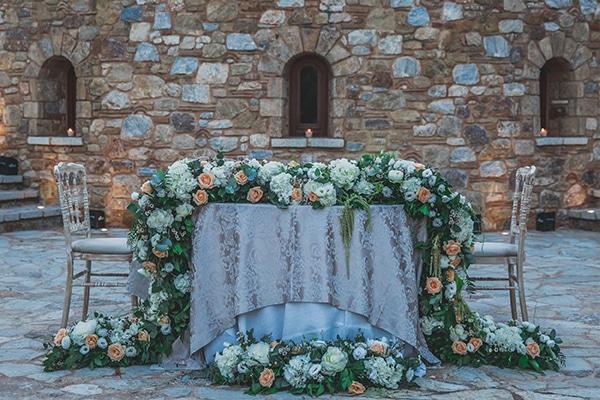 summer-wedding-pyrgos-petreza-lush-floral-romantic-vibe_32x