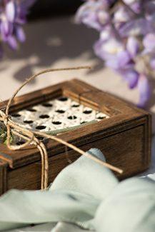 Ξεχωριστή – ξύλινη μπομπονιέρα από Iro Sanouli με λεβάντα σε μωβ χρωματισμούς