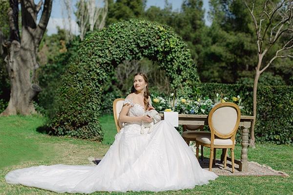 dreamy-rustic-elegant-styled-shoot-stunning-wedding-dresses_01w