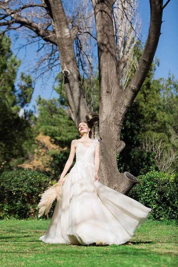 dreamy-rustic-elegant-styled-shoot-stunning-wedding-dresses_08