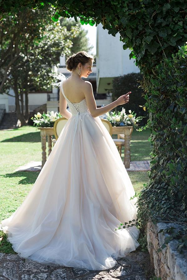 dreamy-rustic-elegant-styled-shoot-stunning-wedding-dresses_10x