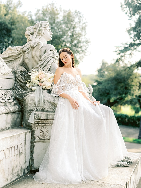 dreamy-styled-shoot-rome-utterly--romantic-wedding-dresses_01