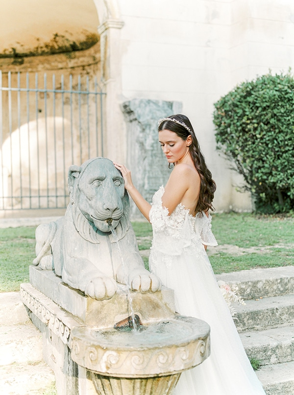 dreamy-styled-shoot-rome-utterly--romantic-wedding-dresses_02