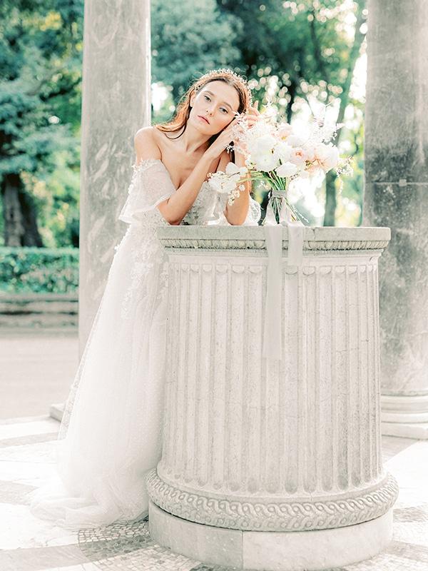 dreamy-styled-shoot-rome-utterly--romantic-wedding-dresses_09x