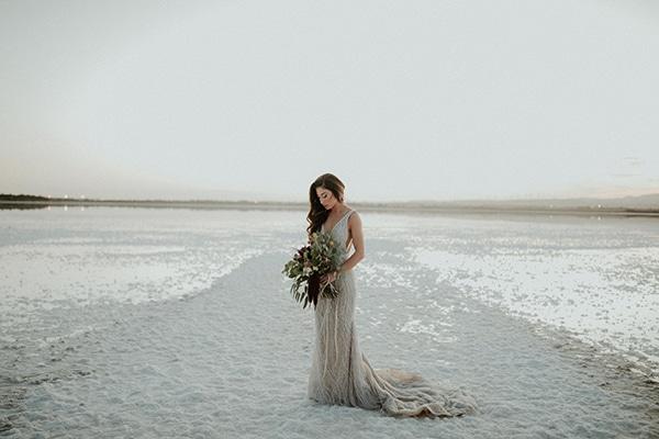 elegant-fall-wedding-limassol-floral-design-coral-red-green-colors_04