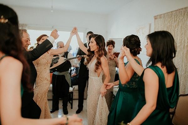 elegant-fall-wedding-limassol-floral-design-coral-red-green-colors_11