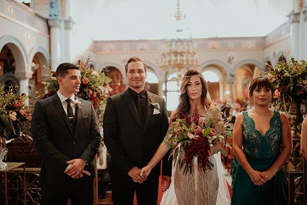 elegant-fall-wedding-limassol-floral-design-coral-red-green-colors_21