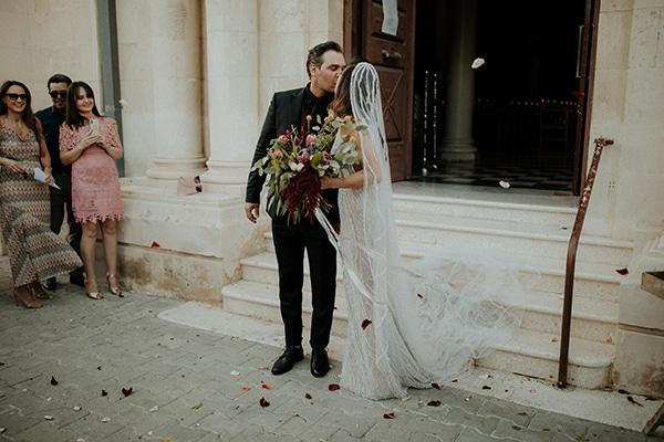 elegant-fall-wedding-limassol-floral-design-coral-red-green-colors_22