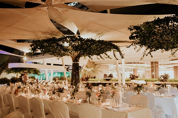 elegant-fall-wedding-limassol-floral-design-coral-red-green-colors_25x