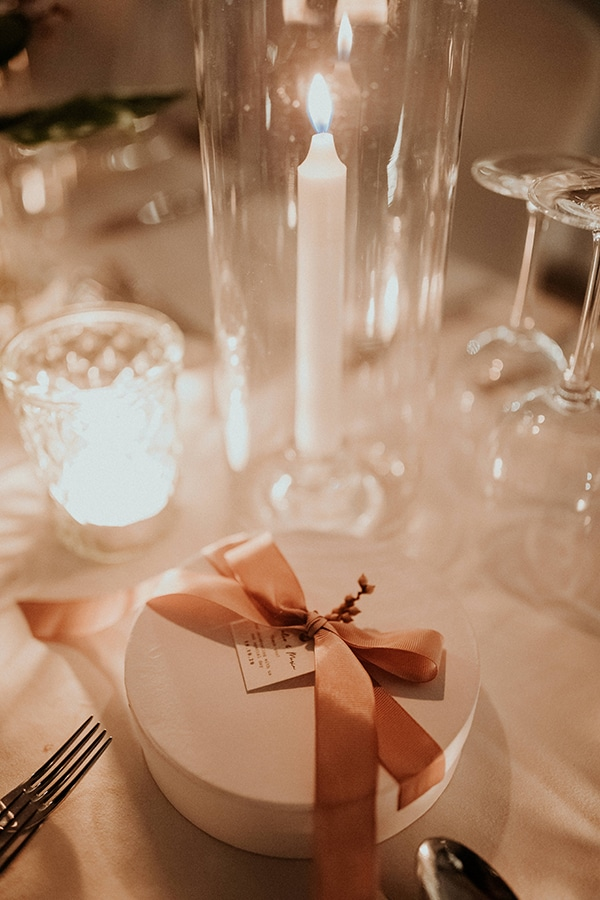 elegant-fall-wedding-limassol-floral-design-coral-red-green-colors_26w