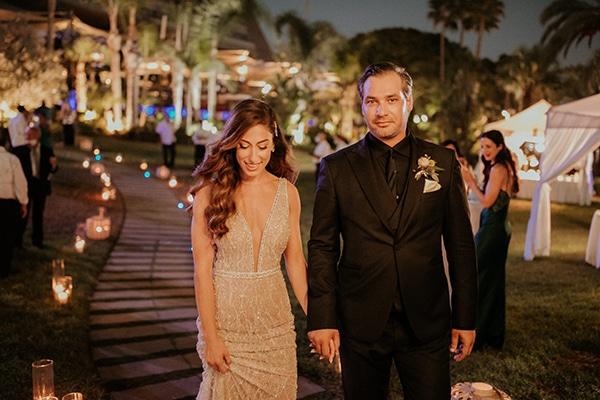 elegant-fall-wedding-limassol-floral-design-coral-red-green-colors_29