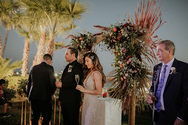 elegant-fall-wedding-limassol-floral-design-coral-red-green-colors_30