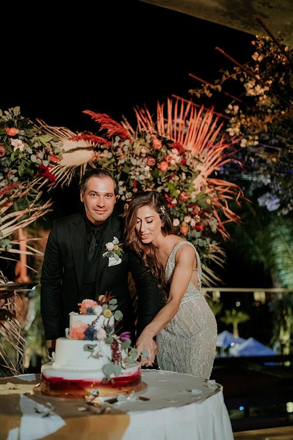 elegant-fall-wedding-limassol-floral-design-coral-red-green-colors_31