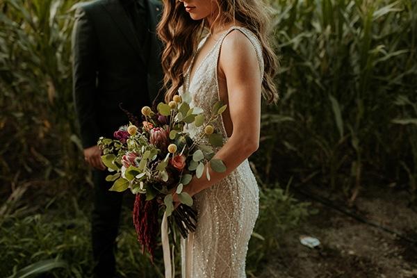 elegant-fall-wedding-limassol-floral-design-coral-red-green-colors_34