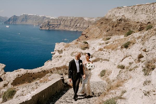 magical-wedding-Santorini-romantic-floral-design-unforgetable-wedding-party_01