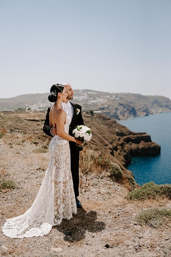 magical-wedding-Santorini-romantic-floral-design-unforgetable-wedding-party_02