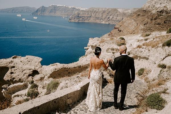 magical-wedding-Santorini-romantic-floral-design-unforgetable-wedding-party_04