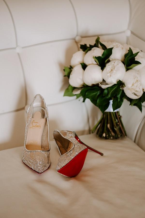 magical-wedding-Santorini-romantic-floral-design-unforgetable-wedding-party_04x