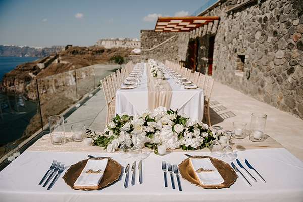 magical-wedding-Santorini-romantic-floral-design-unforgetable-wedding-party_10
