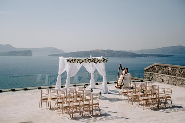 magical-wedding-Santorini-romantic-floral-design-unforgetable-wedding-party_13
