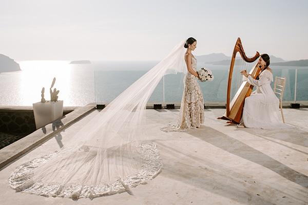 magical-wedding-Santorini-romantic-floral-design-unforgetable-wedding-party_25