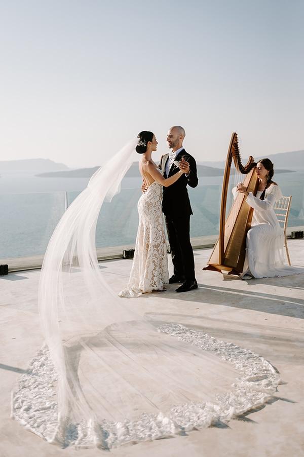magical-wedding-Santorini-romantic-floral-design-unforgetable-wedding-party_26