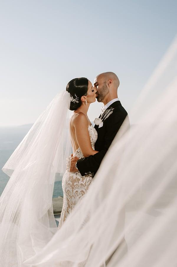 magical-wedding-Santorini-romantic-floral-design-unforgetable-wedding-party_27