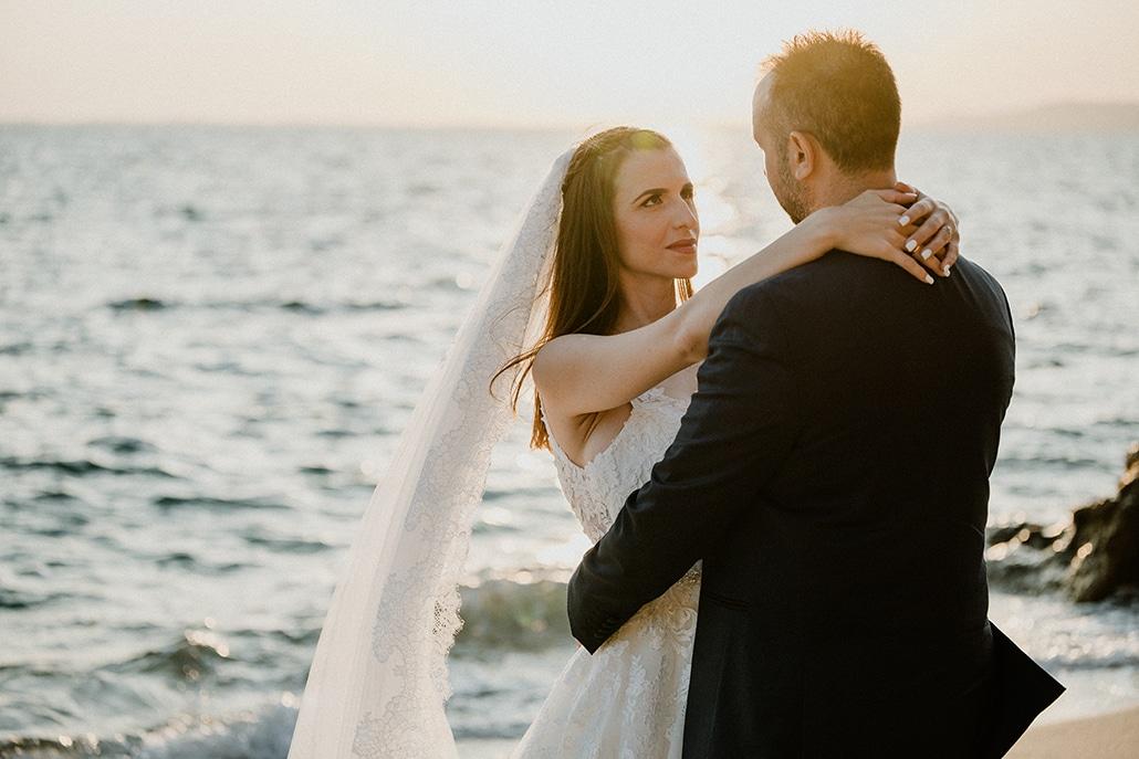 Μια από τις πιο ρομαντικές day after φωτογραφίσεις με φόντο τη θάλασσα και το ηλιοβασίλεμα │ Μαρία & Χρήστος