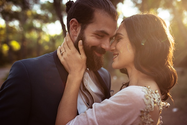 romantic-summer-wedding-athens-roses-red-white-tones_01
