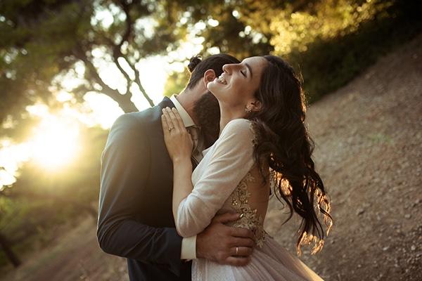 romantic-summer-wedding-athens-roses-red-white-tones_04