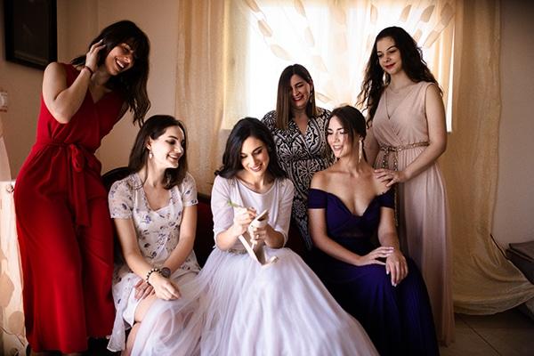 romantic-summer-wedding-athens-roses-red-white-tones_07