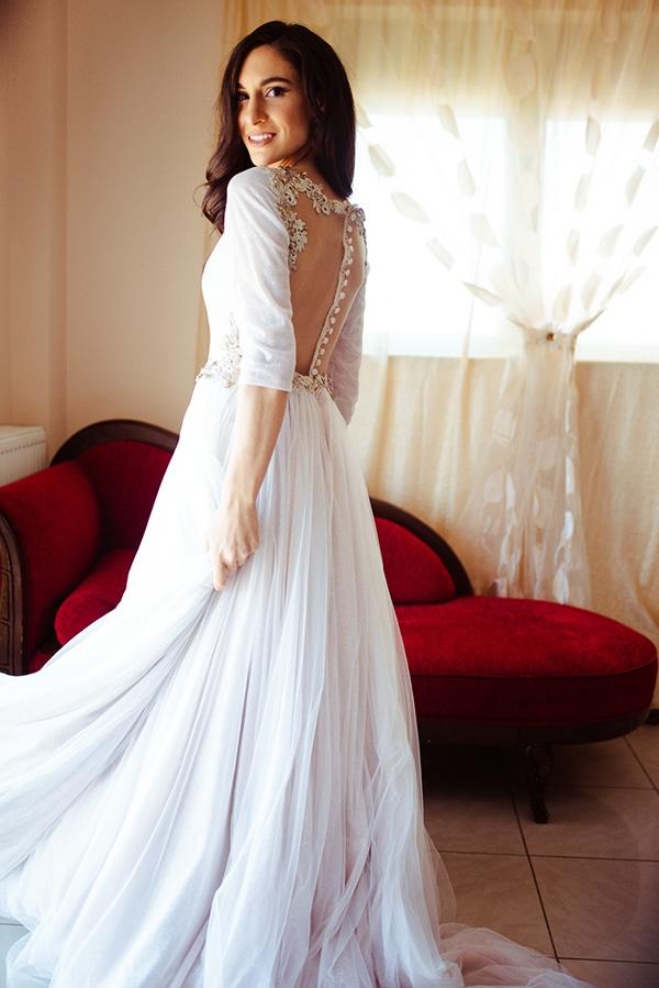 romantic-summer-wedding-athens-roses-red-white-tones_08
