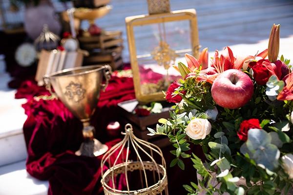 romantic-summer-wedding-athens-roses-red-white-tones_12