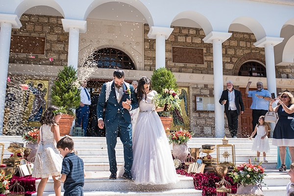romantic-summer-wedding-athens-roses-red-white-tones_27