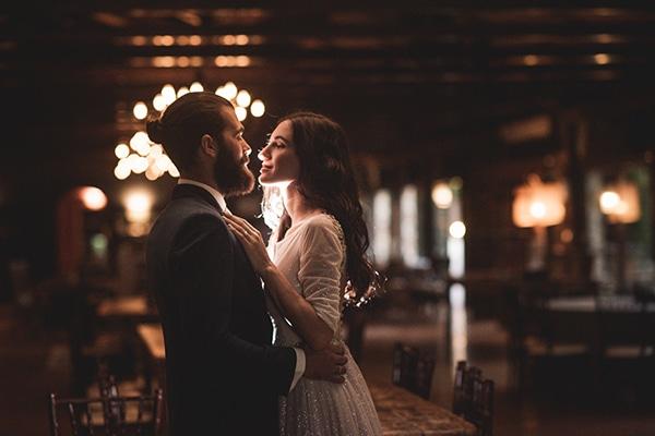 romantic-summer-wedding-athens-roses-red-white-tones_34