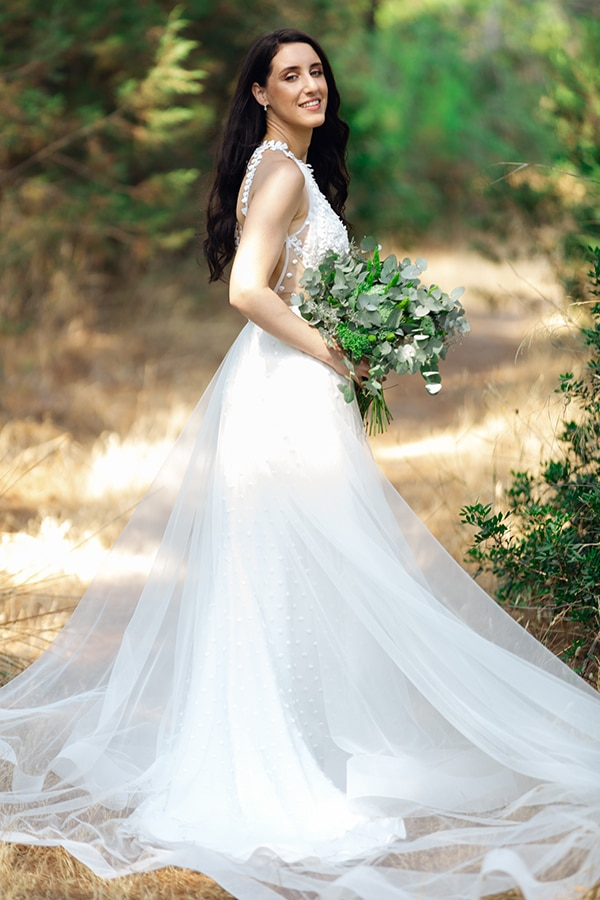 romantic-summer-wedding-athens-white-pink-roses-lots-of-greenery_02
