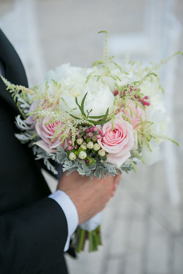 romantic-summer-wedding-athens-white-pink-roses-lots-of-greenery_10