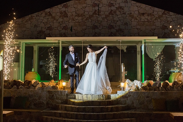 romantic-summer-wedding-athens-white-pink-roses-lots-of-greenery_20