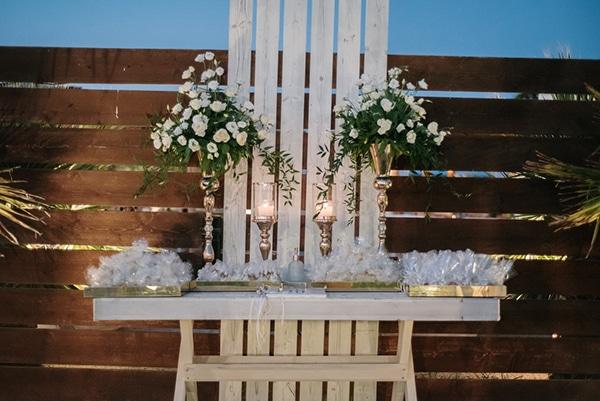 romantic-summer-wedding-patra-toulips-peonies_19