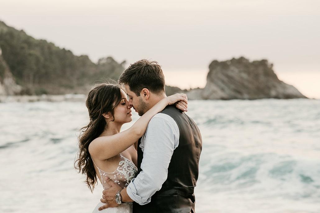 Ρομαντικός καλοκαιρινός γάμος στη Σάμο με γυψοφύλλη και τριαντάφυλλα │Ανθή & Ηλίας
