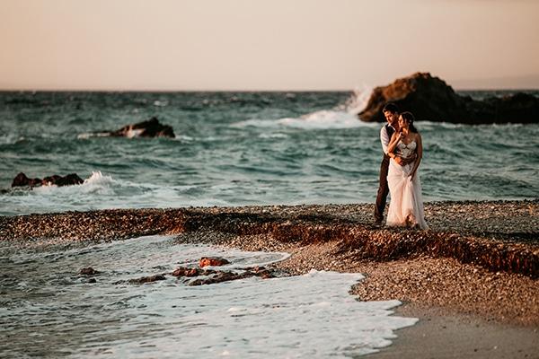 romantic-summer-wedding-samos-baby-breath-roses-white-pink-tones_36