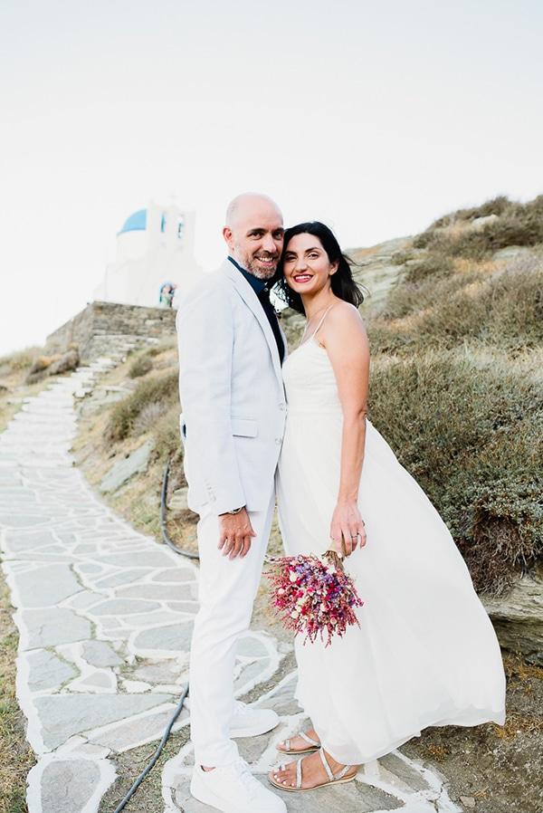 romantic-summer-wedding-sifnos-flowers-fuchsia-purple-touches_01x