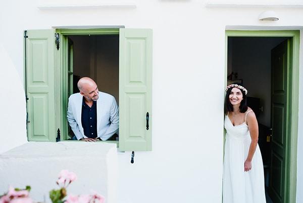 romantic-summer-wedding-sifnos-flowers-fuchsia-purple-touches_03