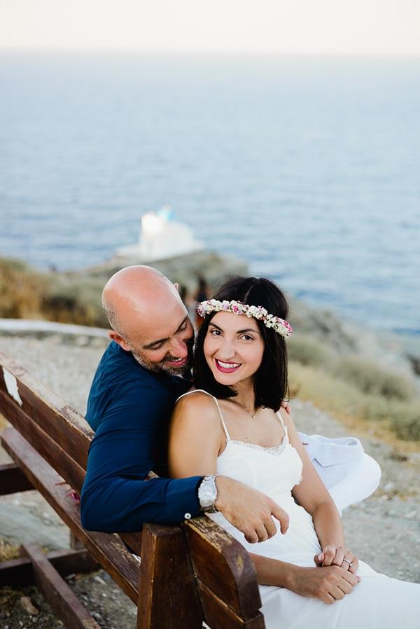 romantic-summer-wedding-sifnos-flowers-fuchsia-purple-touches_04x