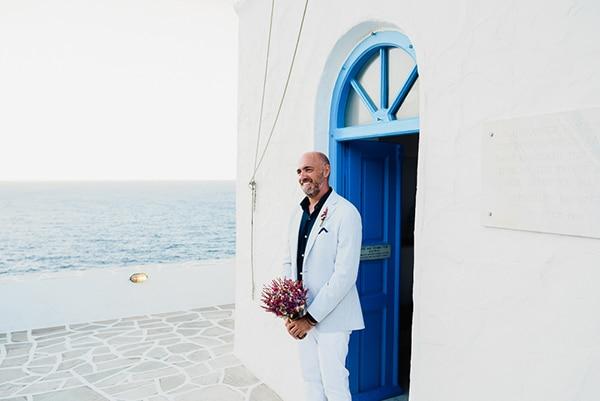 romantic-summer-wedding-sifnos-flowers-fuchsia-purple-touches_16