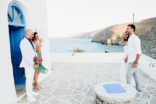 romantic-summer-wedding-sifnos-flowers-fuchsia-purple-touches_17