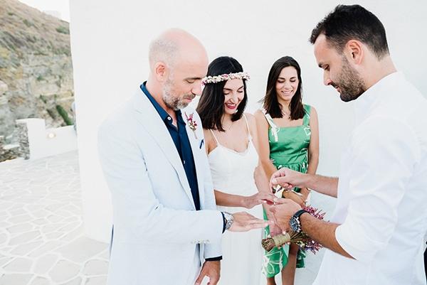 romantic-summer-wedding-sifnos-flowers-fuchsia-purple-touches_23