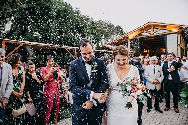 rustic-summer-wedding-athens-roses-white-dusty-pink-hues_01
